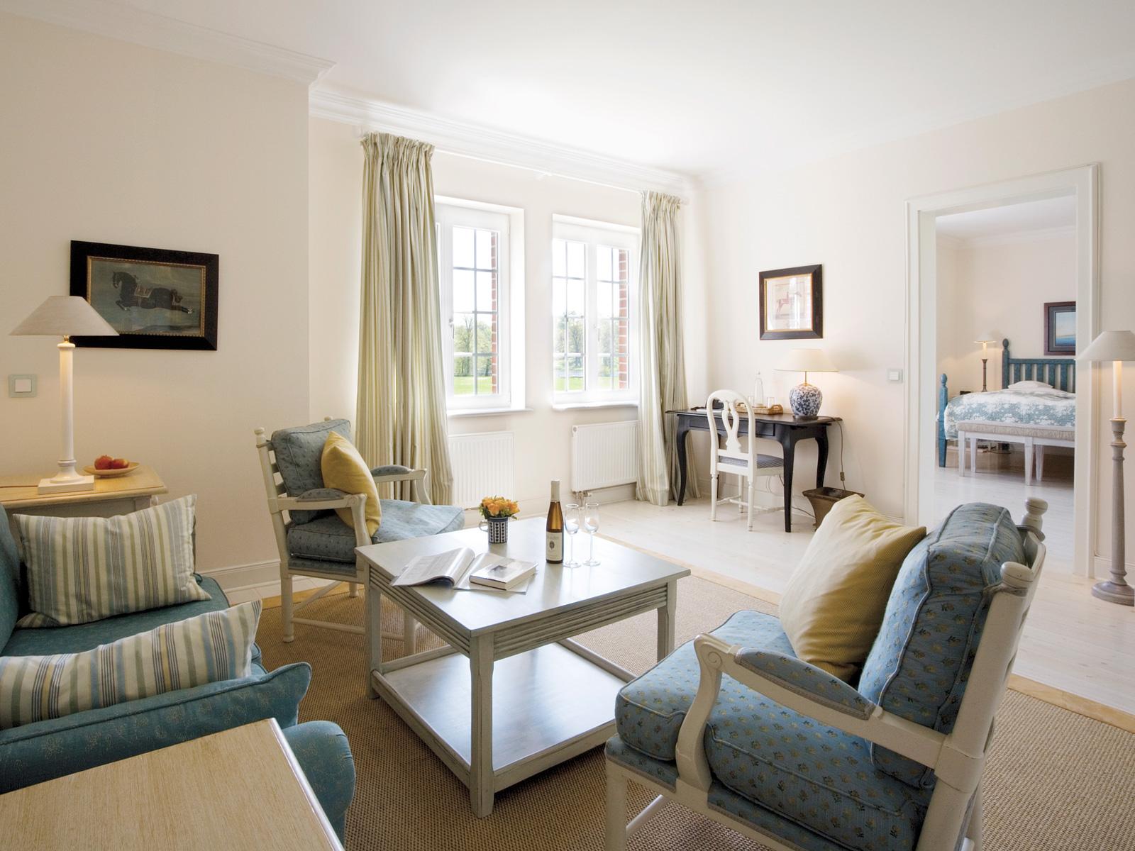 viel platz zum tr umen hotel restaurant ole liese. Black Bedroom Furniture Sets. Home Design Ideas